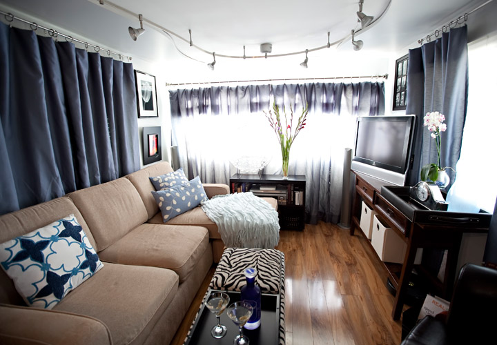 Decorating a Small Mobile Home Living Room